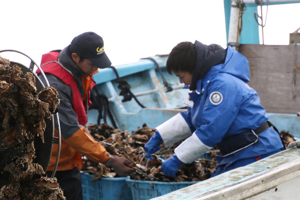 第9回 漁師の仕事を知る、短期研修プログラム「TRITON SCHOOL-牡蠣養殖編-」