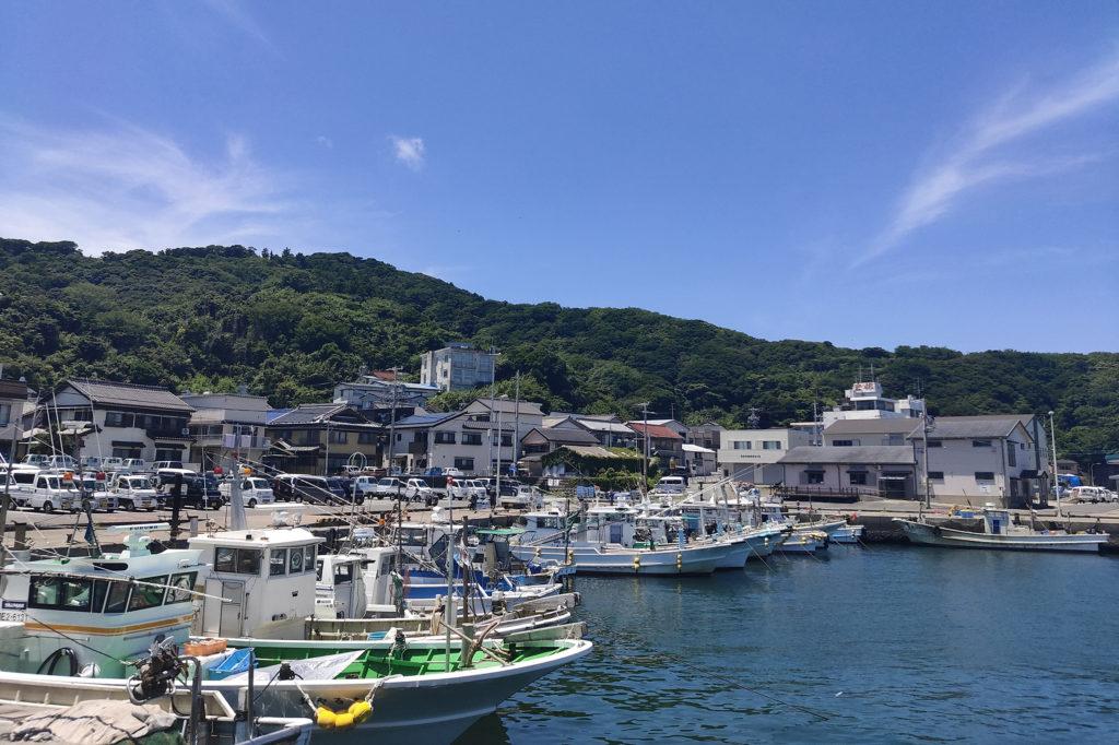 保護中: 【三重/コラム求人/漁船】憧れの島暮らし。「ちょうどいい」離島でバッチ網船の仲間を募集。
